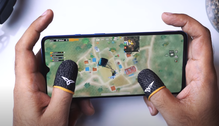 PLAY PUBG LIKE A PRO with Thumb Sleeves | Smart India