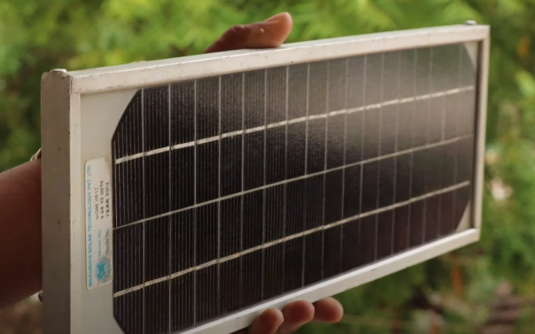 How to make Solar Charger at home | Smart India
